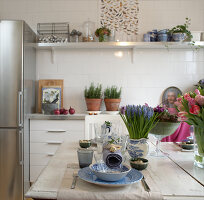 Bildno.: 11302233<br/><b>Feature: 11302230 - Swedish Sophistication</b><br/>Swedish home decorated with objects from all over the world<br />living4media / IBL Bildbyra AB / Ericsson, Peter