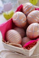 Bildno.: 11305289<br/><b>Feature: 11305280 - Precious Pastels</b><br/>Turn Easter into a do-it-yourself fest<br />living4media / Taube, Franziska