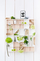 Bildno.: 11305843<br/><b>Feature: 11305840 - The Greening Touch</b><br/>Green flowers add a special kick to any room<br />living4media / Weber, Cornelia