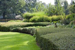 Bildnr.: 11306141<br/><b>Feature: 11306129 - Die feine englische Art</b><br/>Traumgarten im Englischen Stil, Belgien<br />living4media / Herwig, Modeste