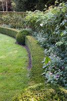 Bildnr.: 11306165<br/><b>Feature: 11306129 - Die feine englische Art</b><br/>Traumgarten im Englischen Stil, Belgien<br />living4media / Herwig, Modeste
