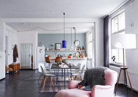 Bildno.: 11306357<br/><b>Feature: 11306352 - With Love for Design</b><br/>Designer&#39;s loft in Berlin<br />living4media / Thurmann, Stefan