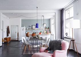 Bildno.: 11306359<br/><b>Feature: 11306352 - With Love for Design</b><br/>Designer&#39;s loft in Berlin<br />living4media / Thurmann, Stefan