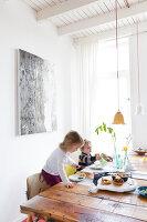 Bildnr.: 11313949<br/><b>Feature: 11313928 - Buntes Familienleben</b><br/>Fr&#246;hliches Haus im Seebad von Den Haag<br />living4media / Klazinga, Jansje