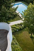 Bildnr.: 11321721<br/><b>Feature: 11321705 - Ein architektonischer W&#252;rfel</b><br/>Selbstdesigntes Haus mit ausgedehntem Aussenbereich f&#252;r die Freizeit, Italien<br />living4media / Rizzi, Laura
