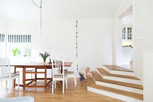 Bildnr.: 11321983<br/><b>Feature: 11321942 - Grafisches Nordlicht</b><br/>Modern, kreativ und schwarz-wei&#223;: So lebt eine junge Familie in Schweden<br />living4media / M&#246;ller, Cecilia