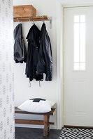 Bildnr.: 11321989<br/><b>Feature: 11321942 - Grafisches Nordlicht</b><br/>Modern, kreativ und schwarz-wei&#223;: So lebt eine junge Familie in Schweden<br />living4media / M&#246;ller, Cecilia