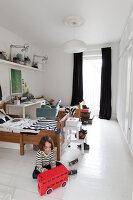 Bildnr.: 11325199<br/><b>Feature: 11325156 - Blogger-Style</b><br/>Das Zuhause von Bloggerin Tina in Kopenhagen ist eine wahre Inspirationsquelle!<br />living4media / Klazinga, Jansje