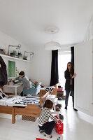 Bildnr.: 11325201<br/><b>Feature: 11325156 - Blogger-Style</b><br/>Das Zuhause von Bloggerin Tina in Kopenhagen ist eine wahre Inspirationsquelle!<br />living4media / Klazinga, Jansje