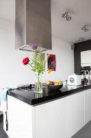 Bildno.: 11326363<br/><b>Feature: 11326350 - Guiding LIne</b><br/>Total revamp of house in Holland<br />living4media / Klazinga, Jansje
