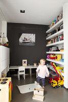 Bildno.: 11326381<br/><b>Feature: 11326350 - Guiding LIne</b><br/>Total revamp of house in Holland<br />living4media / Klazinga, Jansje