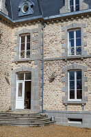 Bildno.: 11341429<br/><b>Feature: 11341427 - My Castles are my Home</b><br/>Bed and Breakfast in Lucerne-d&#39;Outremer, Normandy<br />living4media / Hallot, Olivier