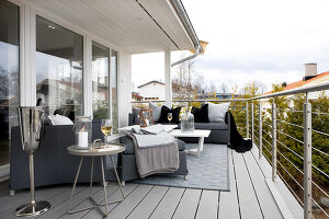 Bildno.: 11342695<br/><b>Feature: 11342672 - Norwegian Glamour</b><br/>Sleek and sumptuous home in Gj&#248;vik, Norway<br />living4media / Annette &amp; Christian