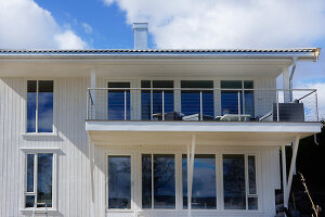 Bildno.: 11342719<br/><b>Feature: 11342672 - Norwegian Glamour</b><br/>Sleek and sumptuous home in Gj&#248;vik, Norway<br />living4media / Annette &amp; Christian