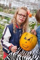 Bildno.: 11345913<br/><b>Feature: 11345897 - Pumpkin Party</b><br/>Pumpkins and Jack-o&#39;-Lanterns<br />living4media / Klazinga, Jansje
