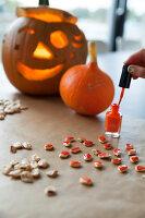 Bildno.: 11345939<br/><b>Feature: 11345897 - Pumpkin Party</b><br/>Pumpkins and Jack-o&#39;-Lanterns<br />living4media / Klazinga, Jansje