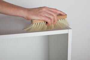 Bildnr.: 11345949<br/><b>Feature: 11345942 - 70er-Jahre Sideboard</b><br/>Upcycling-Projekt mit einem alten Sideboard, das zum Hingucker wird<br />living4media / L&#246;scher, Sabine