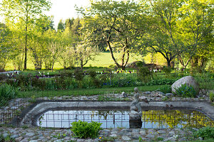 Bildno.: 11349317<br/><b>Feature: 11349267 - Swedish Spring</b><br/>A lush garden in Sweden<br />living4media / M&#246;ller, Cecilia