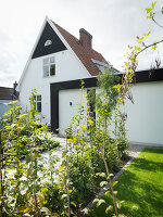 Bildno.: 11349387<br/><b>Feature: 11349385 - Garden View</b><br/>Newly renovated house in Malmo<br />living4media / Carlsson, Peter
