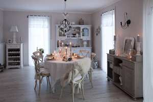 Bildno.: 11349481<br/><b>Feature: 11349445 - Holiday Romance</b><br/>Shabby-chic house in Koblenz, Germany<br />living4media / Craven, Dorothea