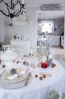 Bildno.: 11349487<br/><b>Feature: 11349445 - Holiday Romance</b><br/>Shabby-chic house in Koblenz, Germany<br />living4media / Craven, Dorothea