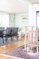 Bildnr.: 11352791<br/><b>Feature: 11352784 - Am Puls der Zeit</b><br/>Die Designerin Elise liebt den skandinavischen Grafik-Stil<br />living4media / M&#246;ller, Cecilia