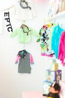 Bildnr.: 11352815<br/><b>Feature: 11352784 - Am Puls der Zeit</b><br/>Die Designerin Elise liebt den skandinavischen Grafik-Stil<br />living4media / M&#246;ller, Cecilia