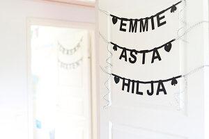 Bildnr.: 11352819<br/><b>Feature: 11352784 - Am Puls der Zeit</b><br/>Die Designerin Elise liebt den skandinavischen Grafik-Stil<br />living4media / M&#246;ller, Cecilia