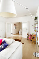Bildno.: 11356025<br/><b>Feature: 11356002 - Electrically Charged</b><br/>Spacious family home in renovated listed building in Bloemendaal, Netherlands<br />living4media / Klazinga, Jansje