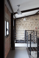 Bildnr.: 11358045<br/><b>Feature: 11358017 - Graffitis im Loft</b><br/>Franz&#246;sisches Loft mit einem Hang zur Extravaganz<br />living4media / Hallot, Olivier