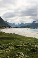 Zdjęcie numer: 11370551<br/><b>Feature: 11370542 - Heaven and Harbour</b><br/>The art of living in Norway&#39;s Lofoten Islands<br />living4media / Nordstrom, Annette