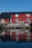Zdjęcie numer: 11370569<br/><b>Feature: 11370542 - Heaven and Harbour</b><br/>The art of living in Norway&#39;s Lofoten Islands<br />living4media / Nordstrom, Annette
