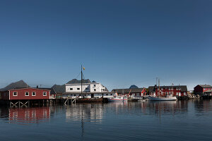 Zdjęcie numer: 11370617<br/><b>Feature: 11370542 - Heaven and Harbour</b><br/>The art of living in Norway&#39;s Lofoten Islands<br />living4media / Nordstrom, Annette
