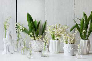 Bildno.: 11370651<br/><b>Feature: 11370640 - In the Month of May</b><br/>Decorating with lily of the valley arrangements<br />living4media / Nordstrom, Annette