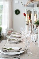 Bildnr.: 11370687<br/><b>Feature: 11370683 - Behagliches Weihnachtsfest</b><br/>Wei&#223;e Weihnachten im Kreis der Familie auf schwedische Art<br />living4media / M&#246;ller, Cecilia
