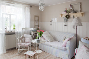 Zdjęcie numer: 11372749<br/><b>Feature: 11372747 - Shabby Chic with Charm</b><br/>Pastels colours and creaking floor boards prevail in this German home<br />living4media / Allig, Birgid