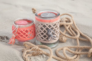 Bildno.: 11373177<br/><b>Feature: 11373161 - Summer Macram&#233; Inspiration</b><br/>Easy to make accessories for the beach<br />living4media / Allig, Birgid