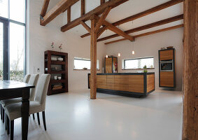 Bildno.: 11374073<br/><b>Feature: 11374064 - Pure Country</b><br/>A barn in northern Germany is converted into a family home and more<br />living4media / Mertoglu, Bodo
