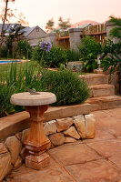 Bildno.: 11383157<br/><b>Feature: 11383132 - Indigenous Garden</b><br/>Low-maintenance country garden in Hartbeespoort<br />living4media / Great Stock!