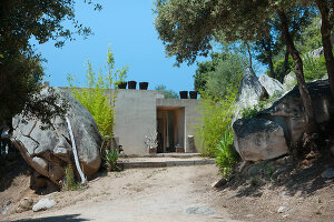 Bildno.: 11389073<br/><b>Feature: 11389067 - Open to the Wind</b><br/>House in the heart of Corsica<br />living4media / Madamour, Christophe