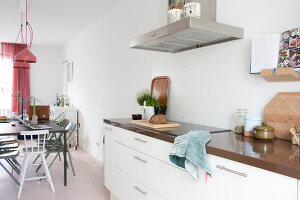 Bildno.: 11389633<br/><b>Feature: 11389566 - Savvy Living</b><br/>Bright and quirky family home in the Netherlands<br />living4media / Marder, Holly