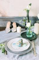 Bildno.: 11399497<br/><b>Feature: 11399471 - Floral Temptations</b><br/>Wedding accessories to complement the big day<br />living4media / Dogadaeva, Elizaveta