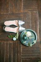 Bildno.: 11399499<br/><b>Feature: 11399471 - Floral Temptations</b><br/>Wedding accessories to complement the big day<br />living4media / Dogadaeva, Elizaveta
