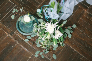 Bildno.: 11399501<br/><b>Feature: 11399471 - Floral Temptations</b><br/>Wedding accessories to complement the big day<br />living4media / Dogadaeva, Elizaveta
