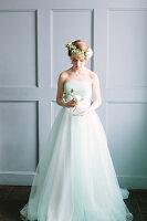 Bildno.: 11399513<br/><b>Feature: 11399471 - Floral Temptations</b><br/>Wedding accessories to complement the big day<br />living4media / Dogadaeva, Elizaveta