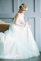 Bildno.: 11399525<br/><b>Feature: 11399471 - Floral Temptations</b><br/>Wedding accessories to complement the big day<br />living4media / Dogadaeva, Elizaveta