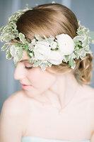 Bildno.: 11399533<br/><b>Feature: 11399471 - Floral Temptations</b><br/>Wedding accessories to complement the big day<br />living4media / Dogadaeva, Elizaveta