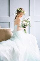 Bildno.: 11399537<br/><b>Feature: 11399471 - Floral Temptations</b><br/>Wedding accessories to complement the big day<br />living4media / Dogadaeva, Elizaveta