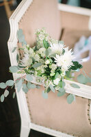 Bildno.: 11399557<br/><b>Feature: 11399471 - Floral Temptations</b><br/>Wedding accessories to complement the big day<br />living4media / Dogadaeva, Elizaveta