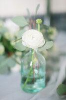 Bildno.: 11399561<br/><b>Feature: 11399471 - Floral Temptations</b><br/>Wedding accessories to complement the big day<br />living4media / Dogadaeva, Elizaveta